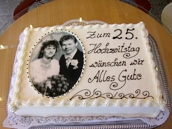Fototorte Zur Goldene Hochzeit Pictures to pin on Pinterest